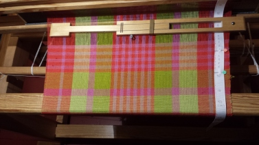 Napkin woven in an even plaid in cottolin